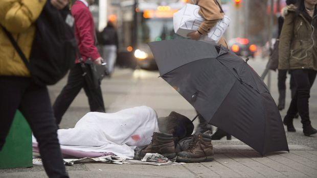 B.C. municipalities pass bylaws targeting homeless