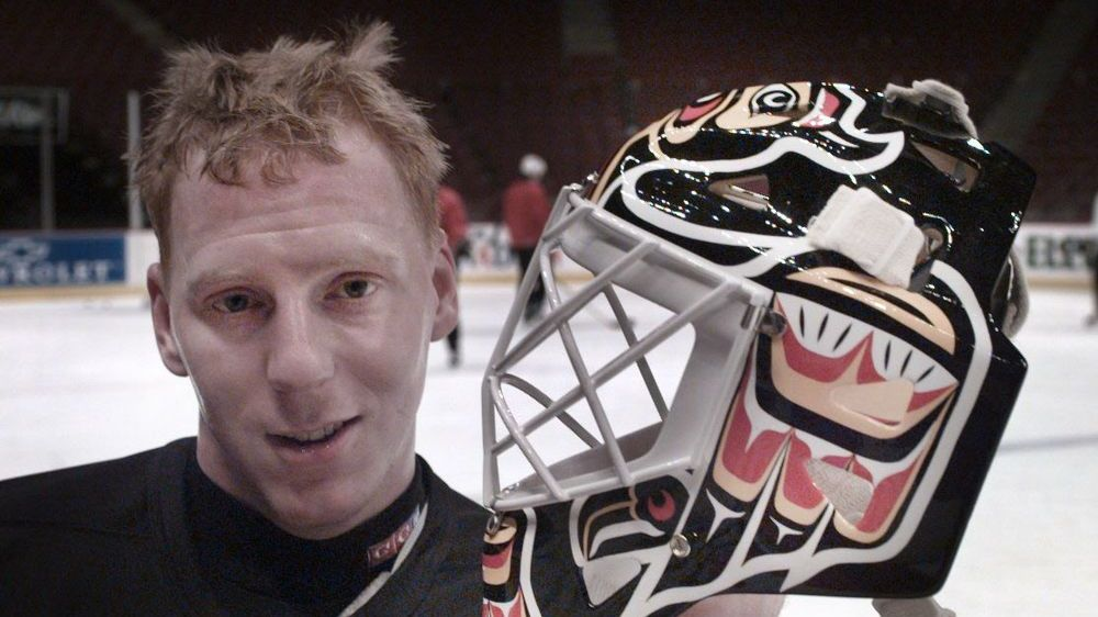'Sliver of hope': How former Canuck Corey Hirsch overcame mental health crisis